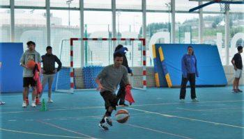 Las jugadoras de CD Talent imparten una sesión de iniciación al baloncesto en UNEATLANTICO